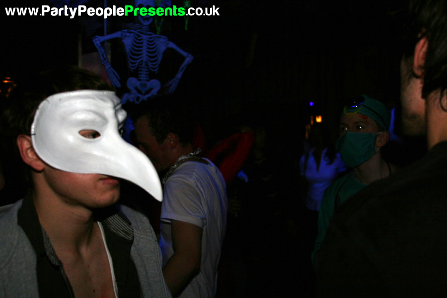 PartyPeoplePresents_MonsterMashup410